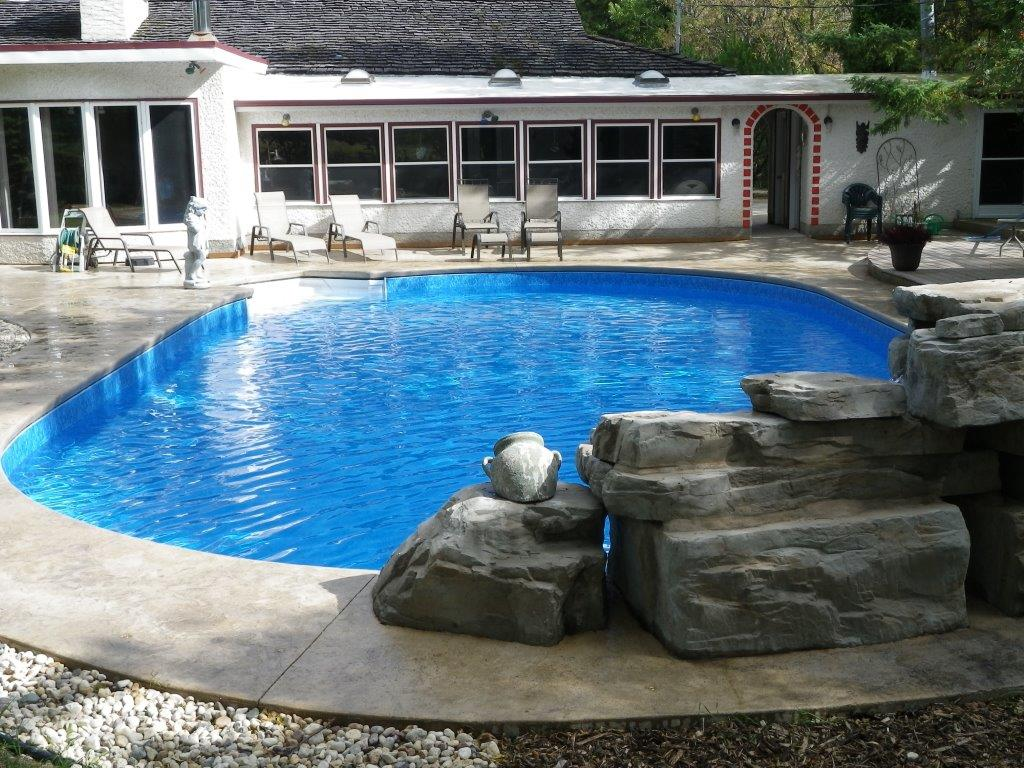 cantilevered concrete coping pool winnipeg