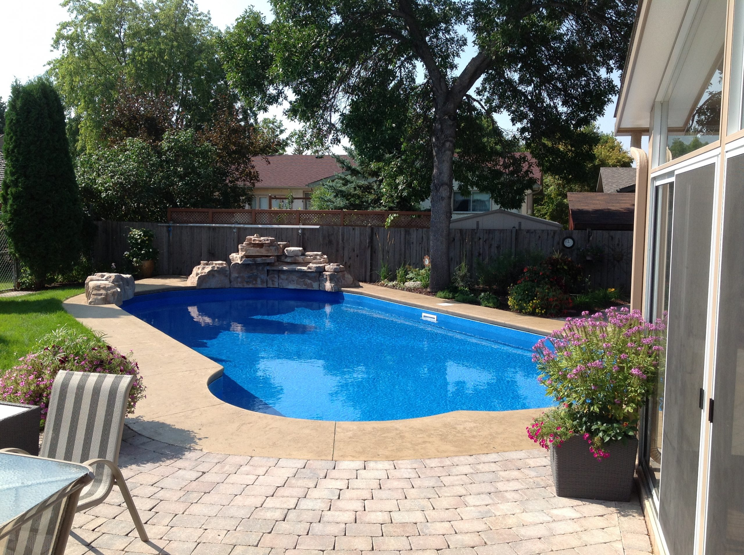 Cantilever Concrete coping style pool winnipeg