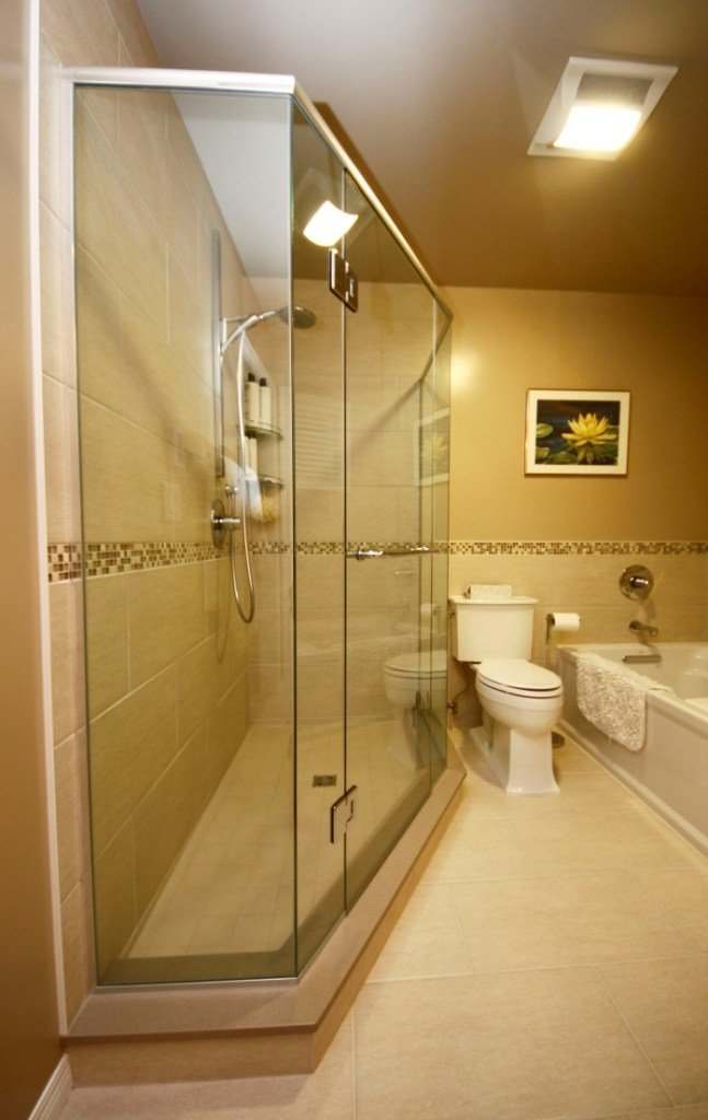 Choose between bathroom tile ideas aqua tech - Things to consider when choosing bathroom tiles ...