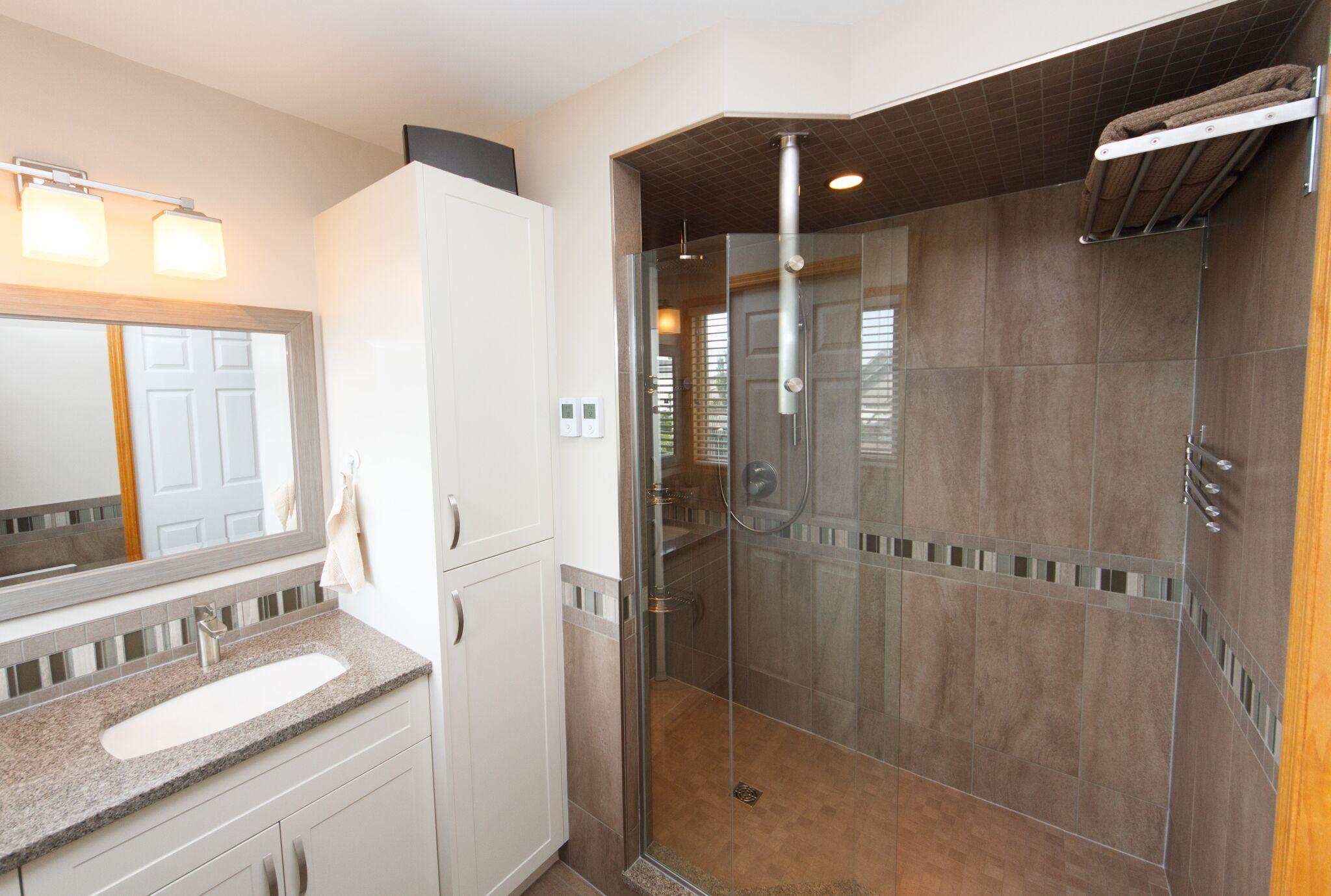 Ensuite Bathroom Winnipeg bathrooms made beautiful in winnipeg | aqua-tech