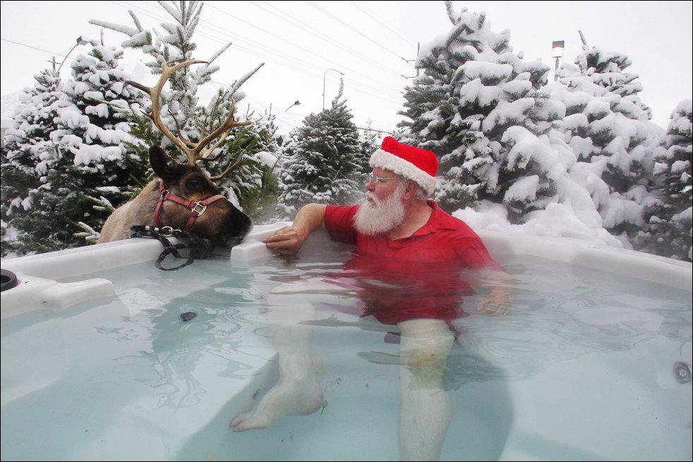 santa large in tub aqua tech