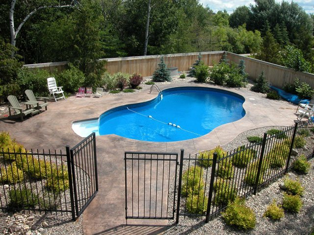 Easy landscaping around pools pictures to pin on pinterest for Simple backyard pools